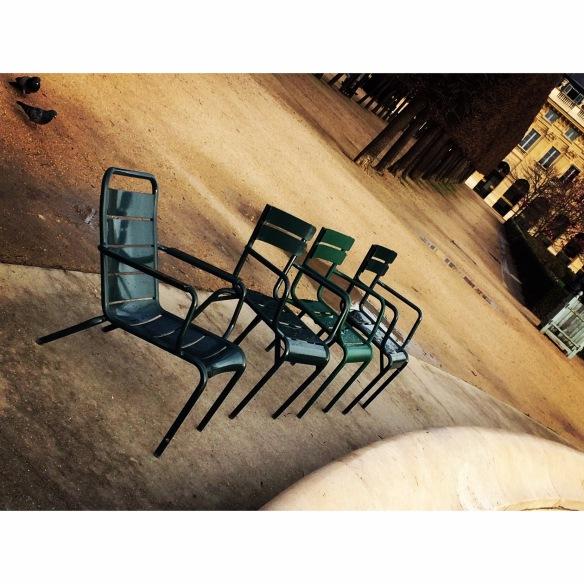 bos sandalyeler